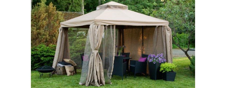 Katokset sopivat mukavaan ajanviettoon pihalla tai terassilla säästä riippumatta. Ne suojaavat liialta auringolta kuumina kesäpäivinä ja iltaisin hyttysiltä.